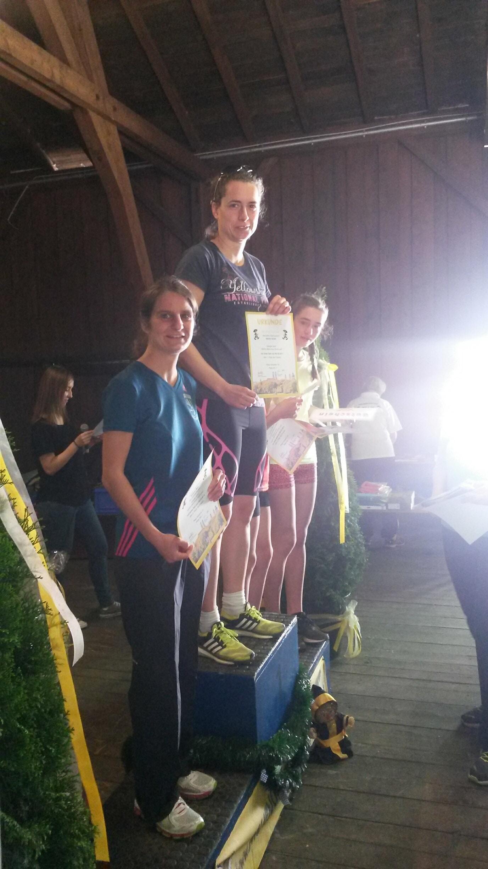 Siegerehrung Damen Gesamteinlauf 5km