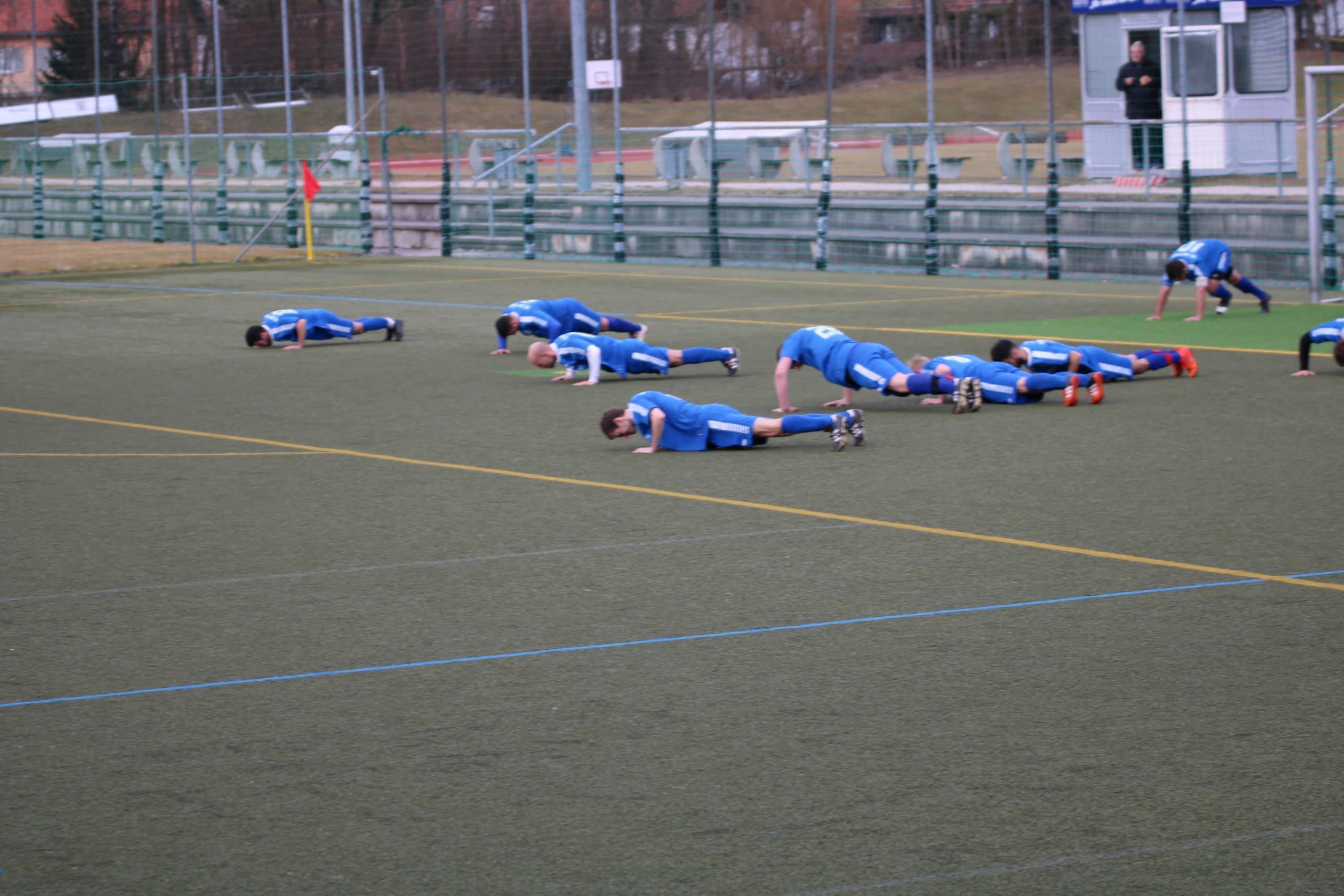 Wölfe zwingen Rottacher zu Liegestützen beim 3:6 im Isar-Loisach-Stadion